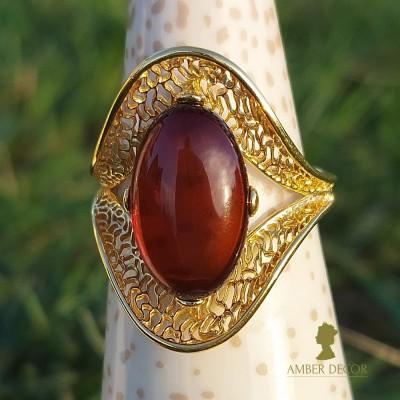 bursztynowy pierścień Wenecja/ dekor koniakowy